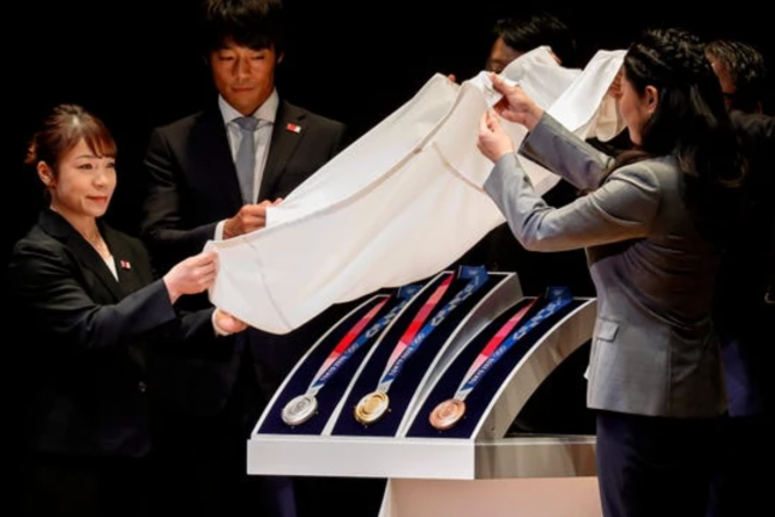 Tokyo 2020 Olympic medals made from 80,000 tons of recycled mobile phones, electronics